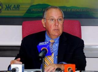 alberto_vallarino_ministro_de_economia_y_finanzas.jpg